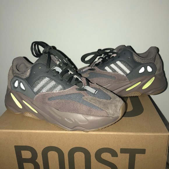 special sales shop new release adidas Yeezy 700 Mauve NWT